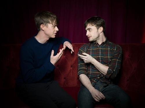 Dane DeHaan ve Daniel Radcliffe; Kill Your Darlings'te.