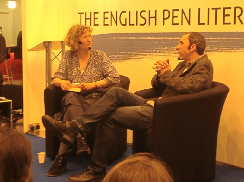 Yazar Will Self, Claire Armitstead'le.