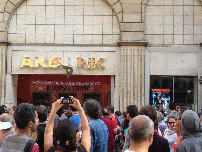 Akbank.