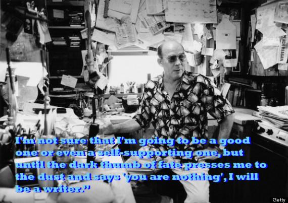 İyi olur muyum, hatta kendimi bu yolla geçindirebilir miyim bilmiyorum ama kaderin karanlık parmağı beni toza bastırıp 'sen bir hiçsin,' diyene dek bir yazar olacağım.