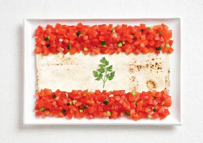 Lübnan; lavaş ekmeği, domates ve maydanoz.