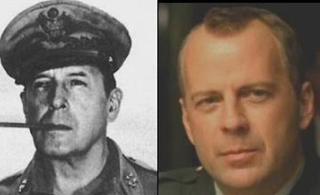 Bruce Willis ve II. Dünya Savaşı generali Douglas MacArthur
