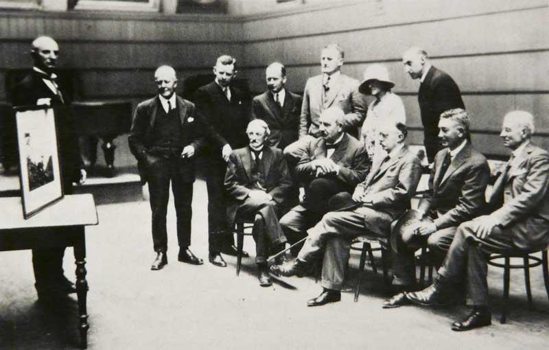 1928'den bir seçici kurul.