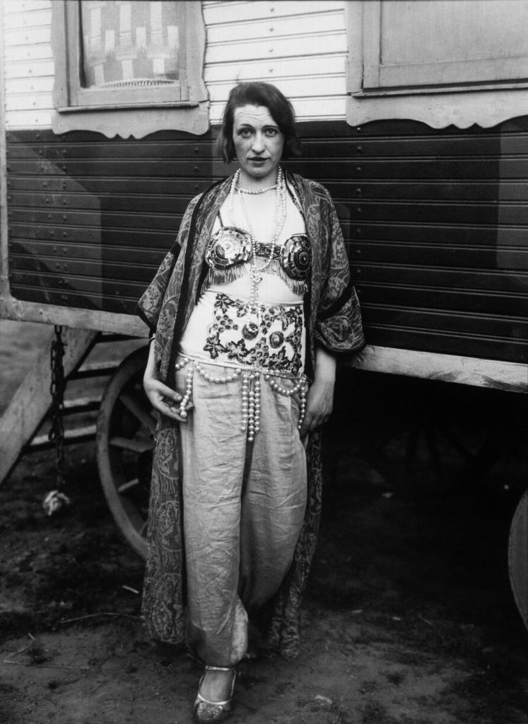 Sirk Sanatçısı, 1926-32.